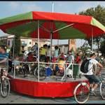 Manège écocitoyen - Un manège à vélos écolo: pédalez pour le faire tourner !