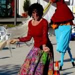 Les Baladines - déambulation drôle et relaxo-dansante avec échassier