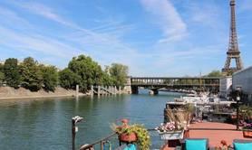 Ecrire une nouvelle à bord d'une péniche à PARIS