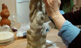 Atelier de la terre à l'objet - Cours de modelage et mise en forme