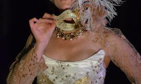 Compagnie Acta Fabula - Golden Lady - échassière