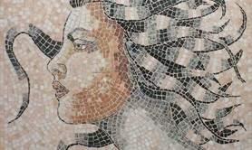 Stéphanie Dupire, mosaïste d'art