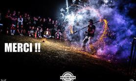 Noyau dans la Prairie - jongleur traditionnel et de feu