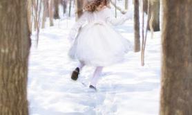 Sophie Pérès - La petite fille de neige et autres contes du temps de Noël