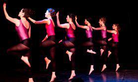 Julie Portanguen - Danse contemporaine - Cours réguliers pour adultes / tous niveaux / Paris