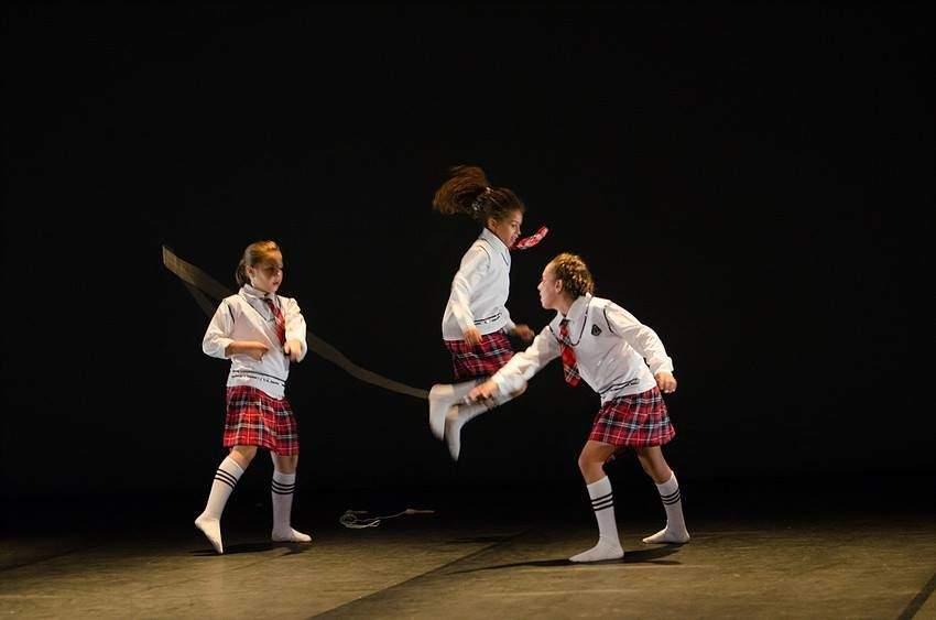 Ecole de Danse D12 - Cours de contemporain enfant et ado