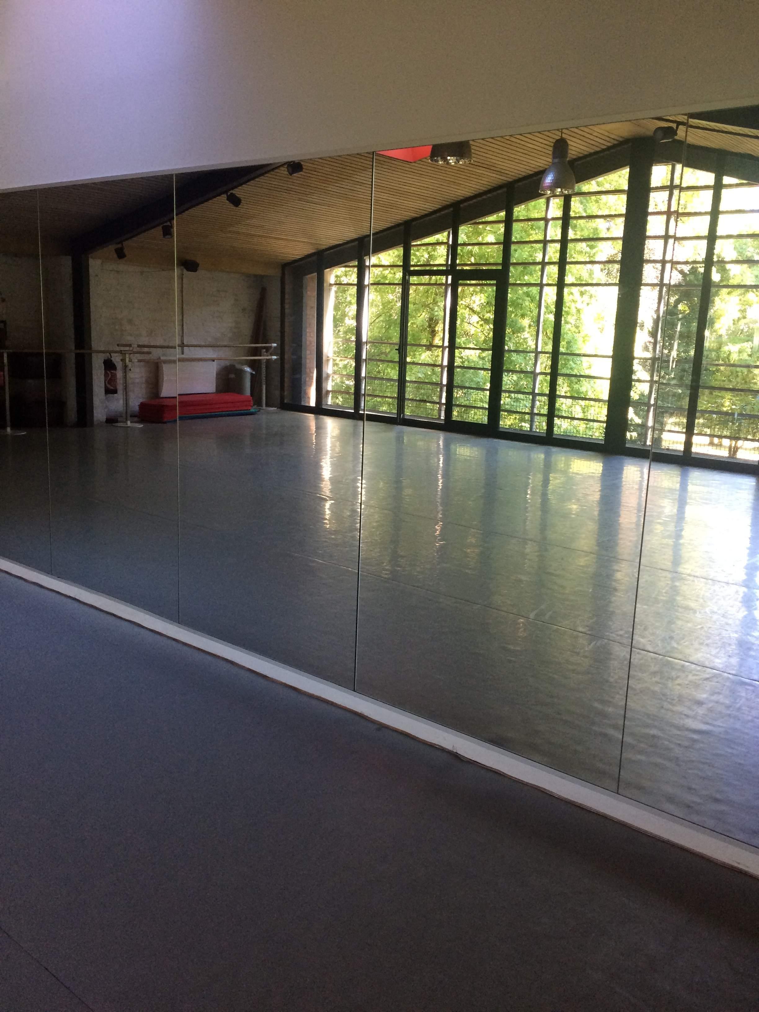 Deux beaux studios de danse à louer