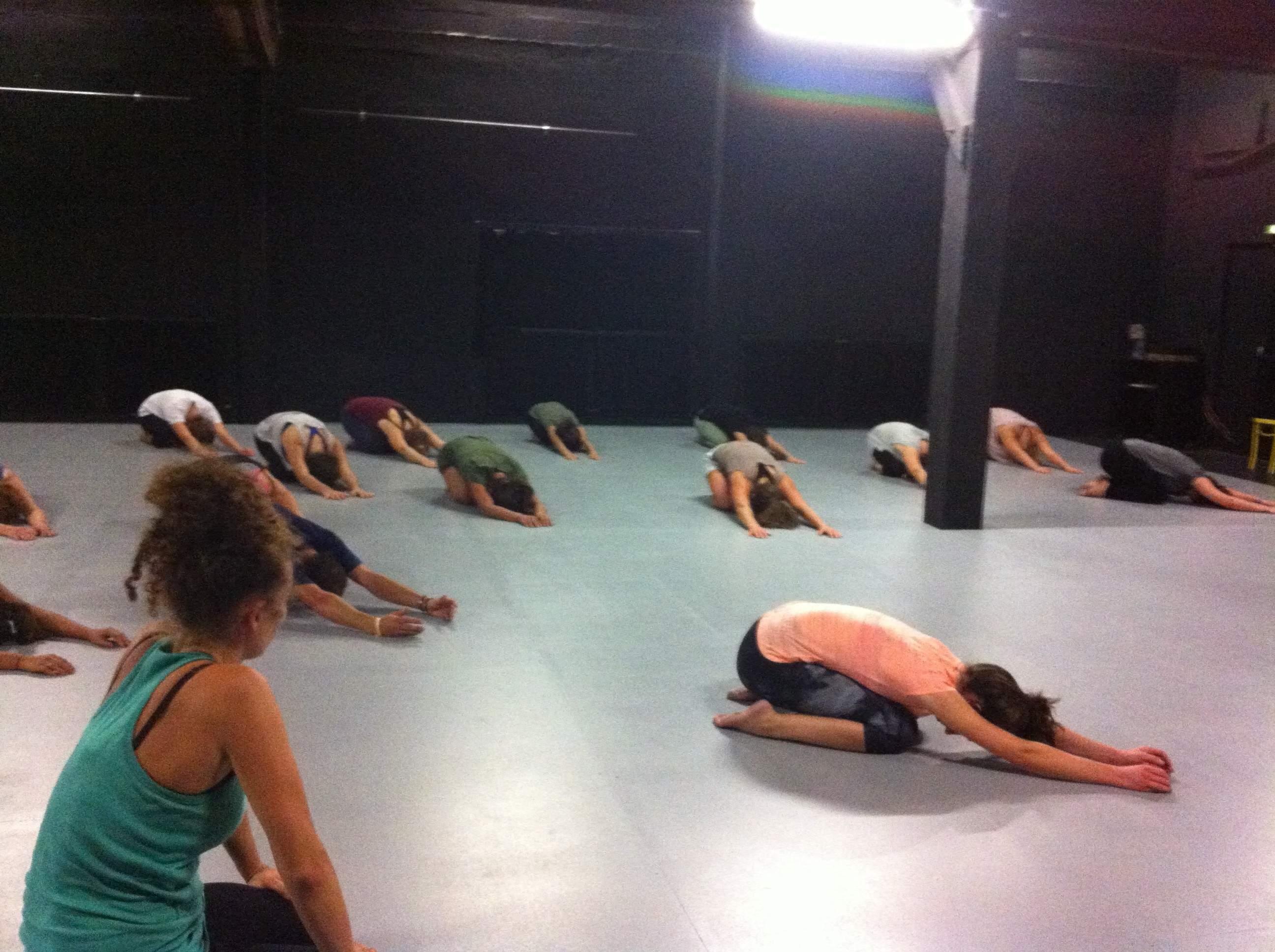 Ecole de danse D12 - Cours de moderne jazz adultes pour chaque niveau !