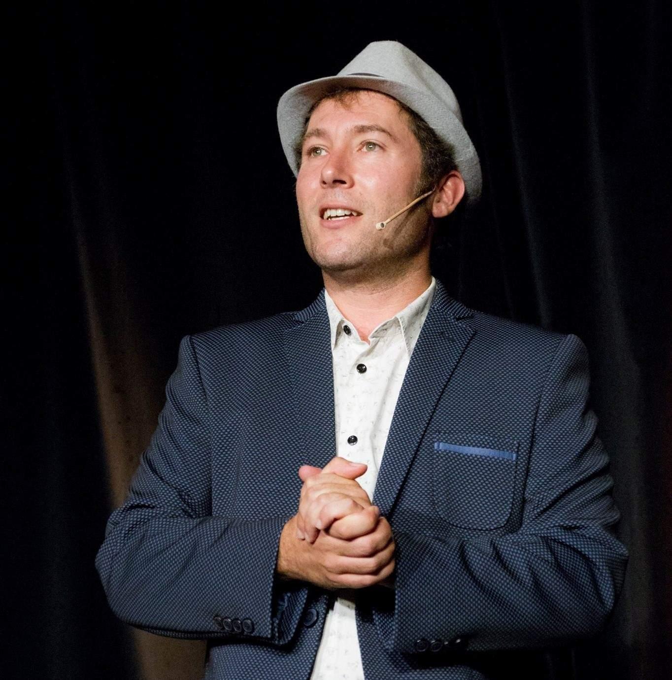 Pierre-Yves Scordia - Magicien de Lille et sa région