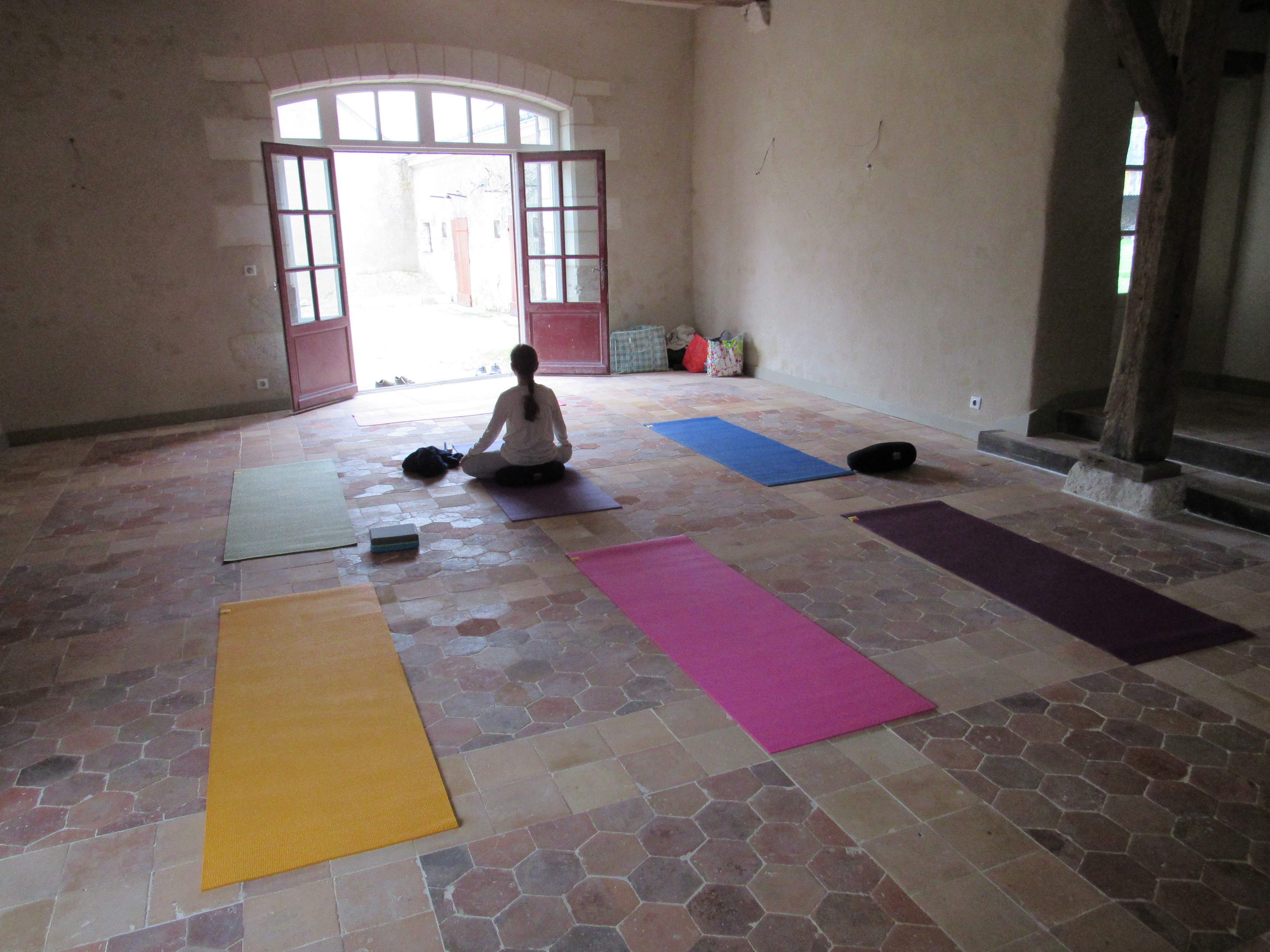 SE RELIER A LA SOURCE - COURS DE YOGA/ MEDITATION / CONCERT AUX BOLS TIBETAINS