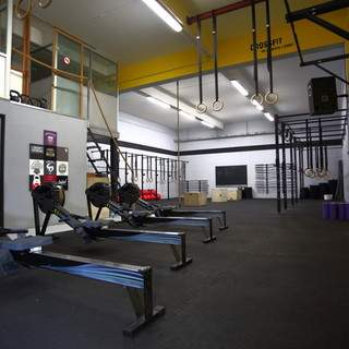 Salle à louer pour cours de yoga, sports de combats etc.