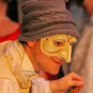 UPC - Cours de Théâtre masqué adulte hebdomadaire à Clamart
