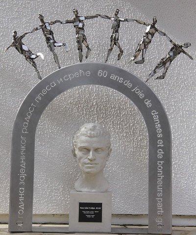DU BUISSON SCULPTURES - Sculptures funéraires