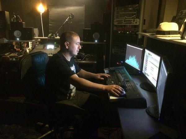 studios VILLAGE STUDIO