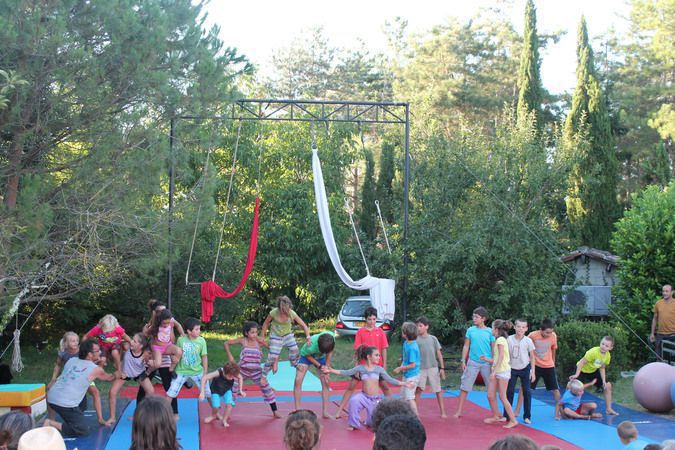 CABOLO - Stage de cirque / de 4 à 13 ans