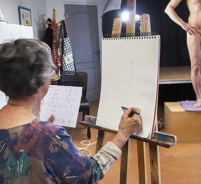 cours de dessin de nu avec mod le vivant montauban 82000 sam 24 f vr 18. Black Bedroom Furniture Sets. Home Design Ideas