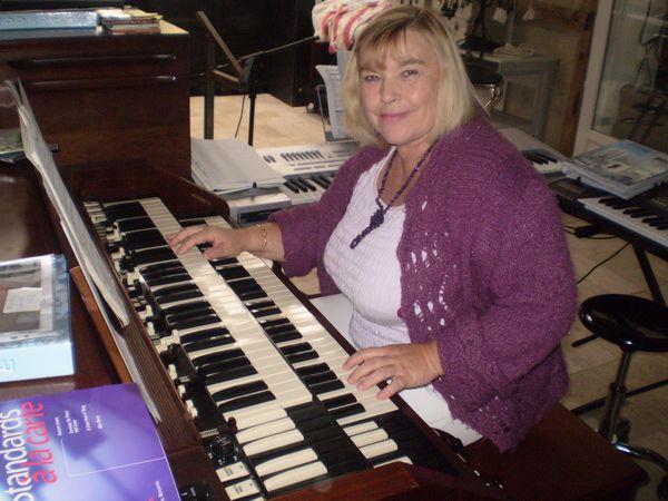 cours de synthé, orgue accordéon boutons