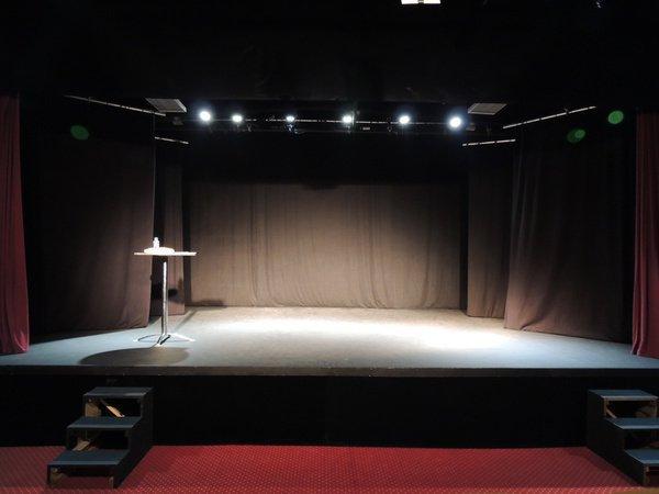 Le BACK STEP Café Théâtre