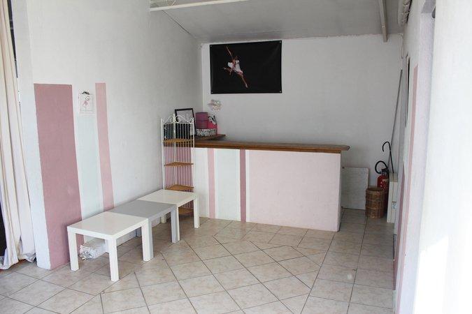 vends fonds danse ou tout commerce 35 000 paca la fare les oliviers 13580. Black Bedroom Furniture Sets. Home Design Ideas