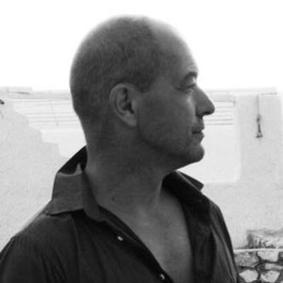 réalisateur vidéo, graphiste et photographe expérimenté