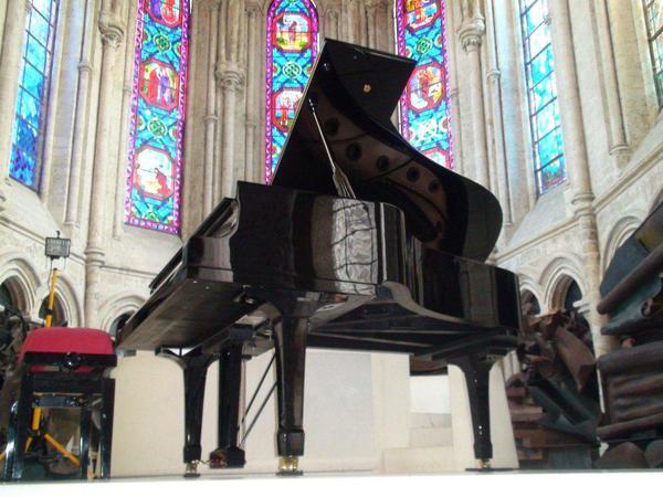 location piano de concert, vente, accord, expertise, transport, installation de pianos