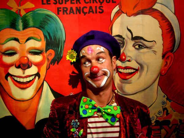 JyJou le clown, mime magicien et fleur !