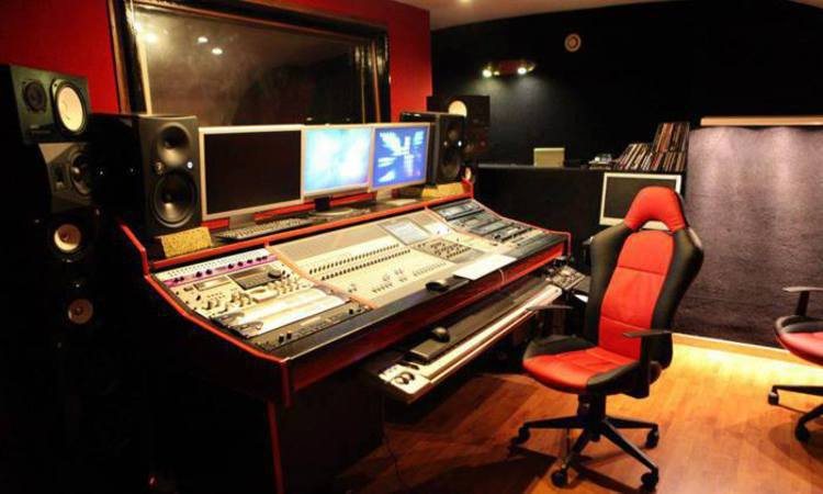 promo location de studio d 39 enregistrement paris 10 75010. Black Bedroom Furniture Sets. Home Design Ideas