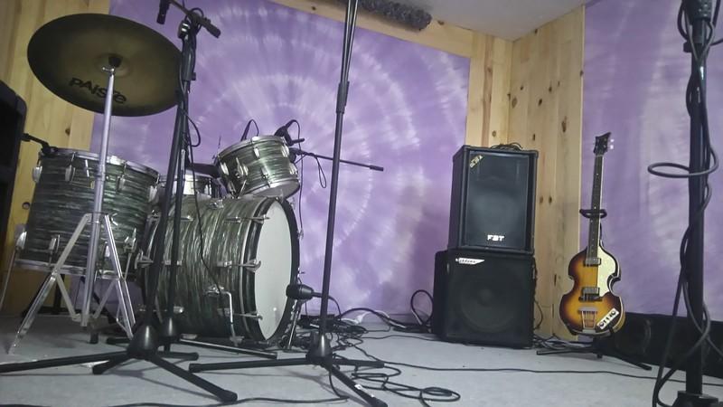 Studio d 39 enregistrement mixage et mastering dans la dr me - Table de mixage studio d enregistrement ...