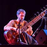 Cours de sitar et de musique indienne à Lyon avec Nicolas Delaigue