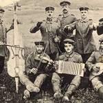 Etsaut Trio - Chansons des tranchées et photographies d'époque