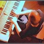 GV - Compositeur, Improvisateur, Pianiste, illustrateur sonore...